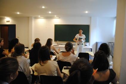 Montserrat Herrero, filósofa, dio la sesión introductoria de Encuentros Universitarios.